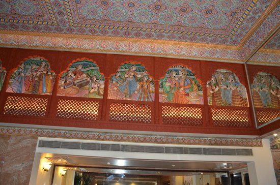 Vesta Maurya Palace : The detail on the walls
