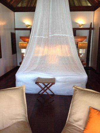 Sofitel Moorea Ia Ora Beach Resort : Lovely, comfy bed