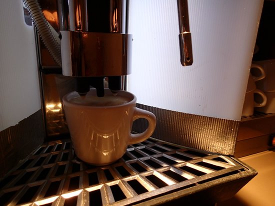 Le Champlain Hotel : The Magic Espresso Machine