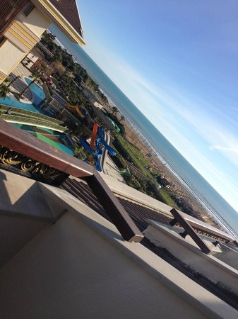 Crystal Palace Luxury Resort & Spa: Uitzicht op zee vanaf 5e verdieping