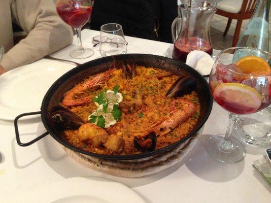 Restaurante Navarro: Paella Mista