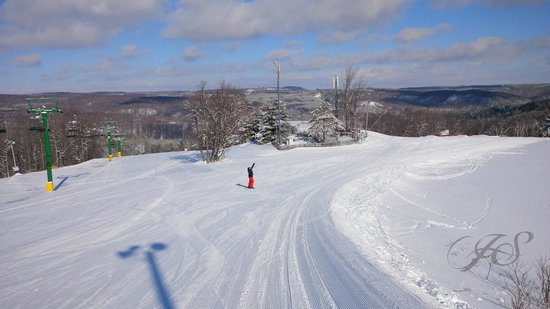 Hockley Valley Resort: Enjoying the view and ski Hills at Hockley Valley