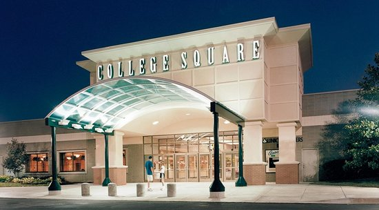 ‪College Square Mall‬