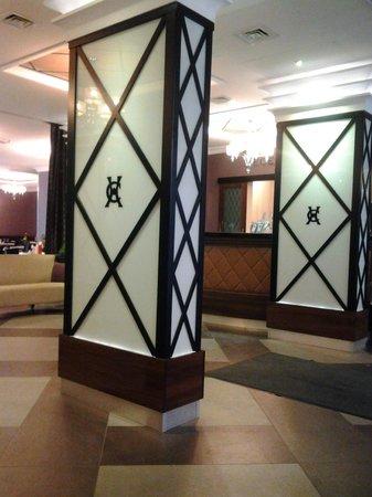Carlton Hotel Budapest: Reception area