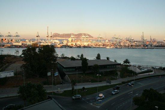 AC Hotel Algeciras: vista ultimo piano fronte hotel