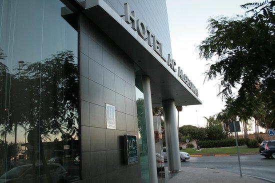 AC Hotel Algeciras: ingresso lato dx