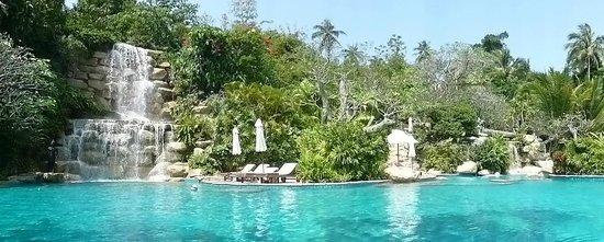 Santhiya Koh Phangan Resort & Spa : Piscine principale