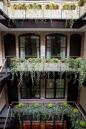 The Broome: Open Atrium Patio