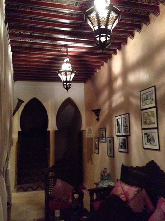 Riad Anabel: Common area on the first floor.