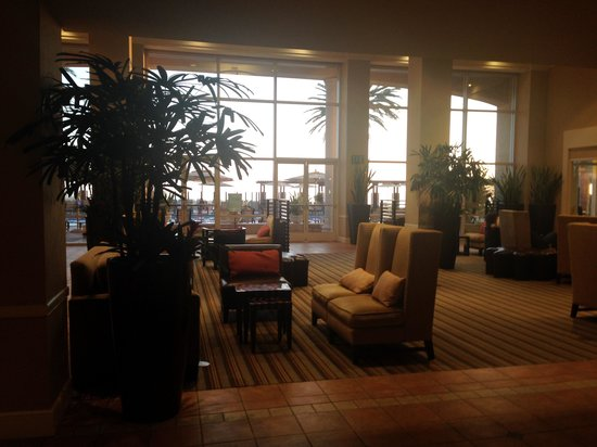 Grand Pacific Palisades Resort and Hotel: Lobby
