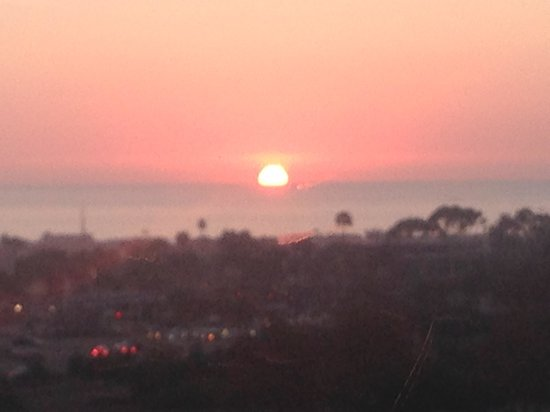 Grand Pacific Palisades Resort and Hotel: sunset 5