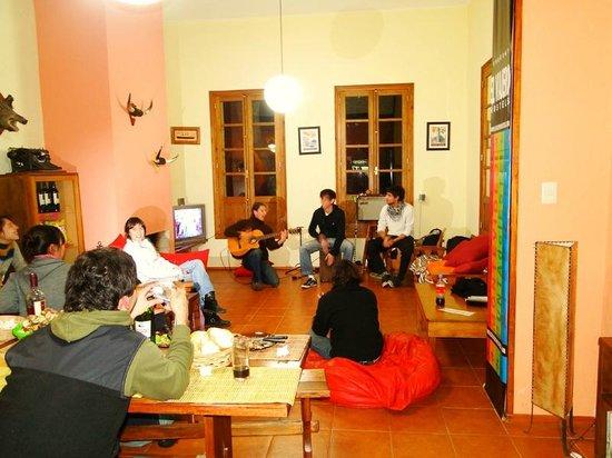 El Viajero Colonia Hostel & Suites: Living