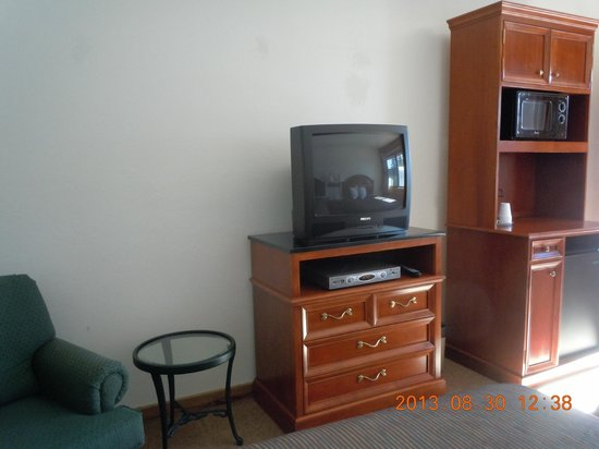 Bellevue High Country Motel: Nice 32 inch TV's with Cable.