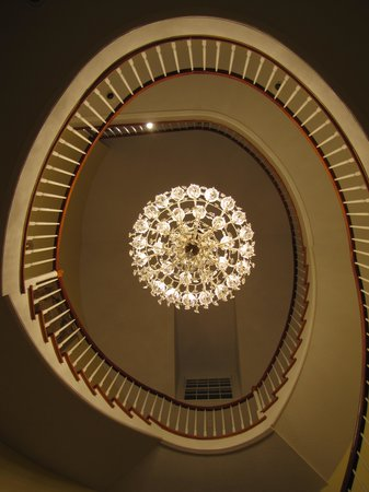Christopher Place Resort: breathtaking chandelier