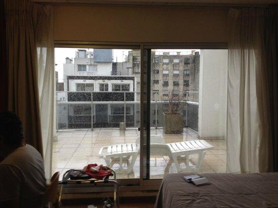 Armon Suites Hotel: Quarto