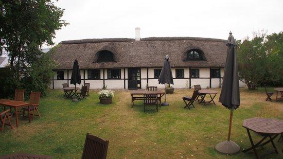 Strandgaarden Badehotel: garden