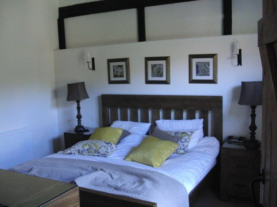 West Marden Farmhouse: Old Stables, double bedroom