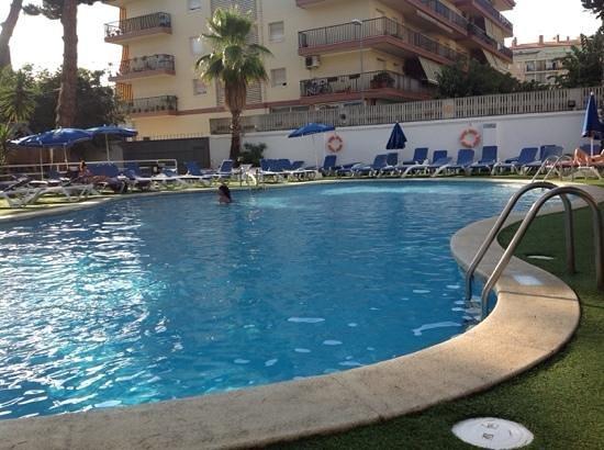 Hotel GHT Balmes & Apartments: Бассейн