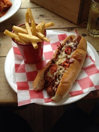 Pinto Lounge: Hot Dogs are always good though