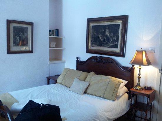 Dalmunzie Castle: Grant- small but cosy :)