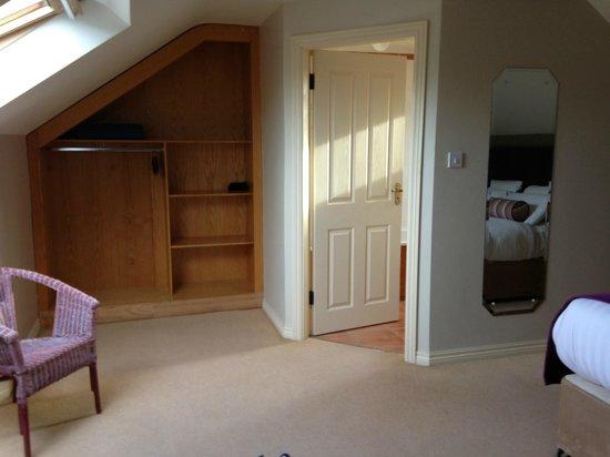 The Brass Lantern : Single room (door entering into bath)