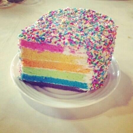Paya Beach Spa and Dive Resort: rainbow cake