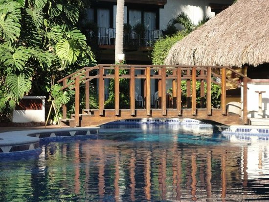 Hacienda Buenaventura Hotel & Mexican Charm All Inclusive: Bridge over pool