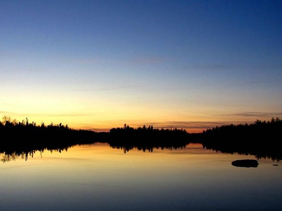 Big Bear Lodge and Cabins: Poplar Lake Sunset