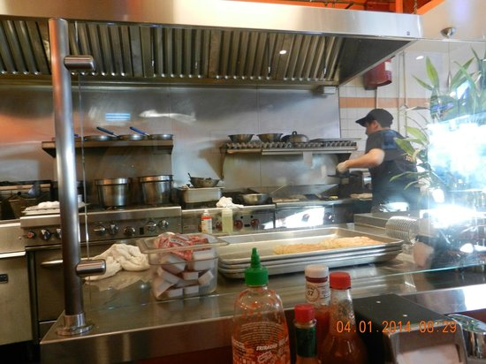 Darren's Cafe: Fascinating to watch the cook