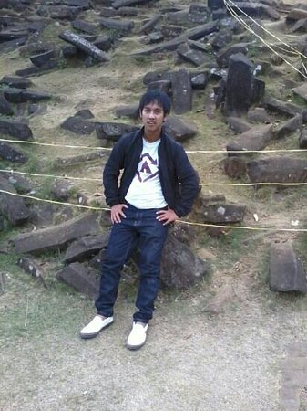 Gunung Padang Megalithic Site: mawar