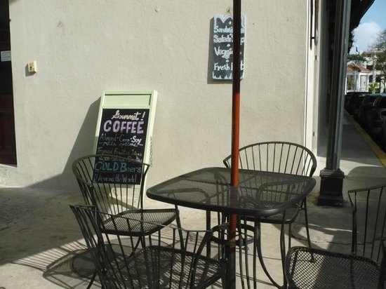 Super Gourmet : Sit in the sun if you wish