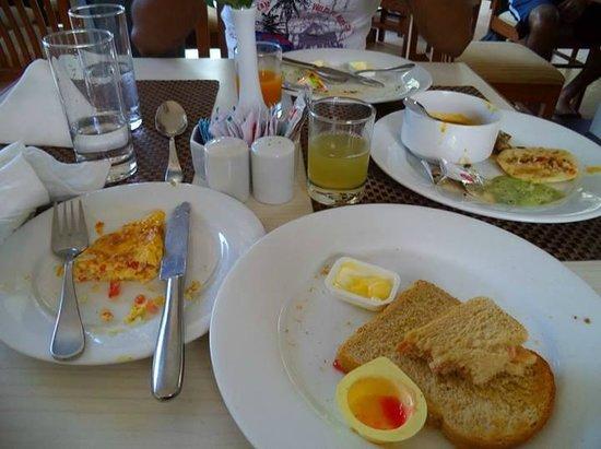 Ocean Palms Goa : Complimentary Breakfast