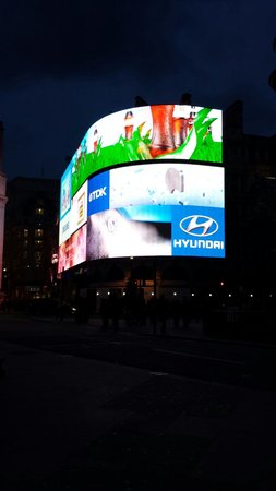Piccadilly Circus : Schermi di piaccadilly