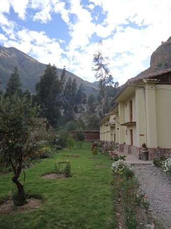 Apu Lodge : Jardines del hotel