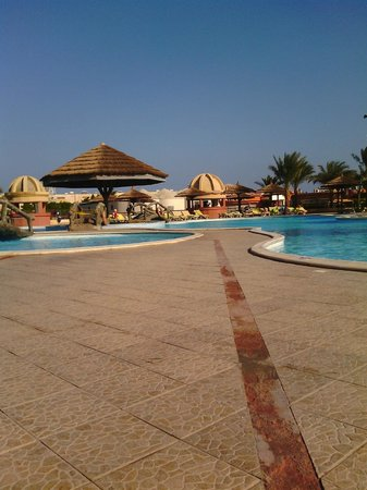 Hurghada SeaGull Beach Resort: бассейн