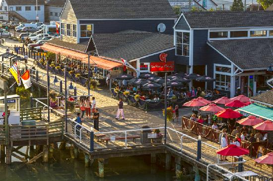Richmond, Canada: Stroll the boardwalk in Steveston Village