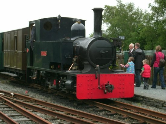 Ffestiniog & Welsh Highland Railways: Steam engine at Porthmadog
