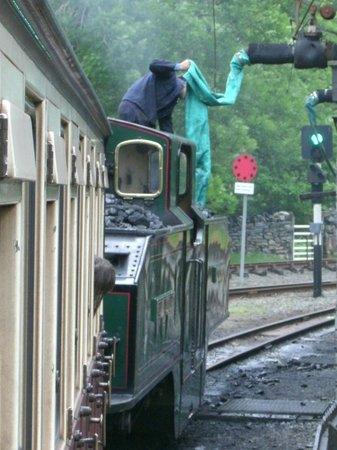 Ffestiniog & Welsh Highland Railways: Filling up with water