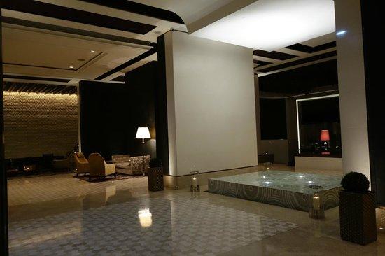 Park Hyatt Abu Dhabi Hotel & Villas : im Foyer