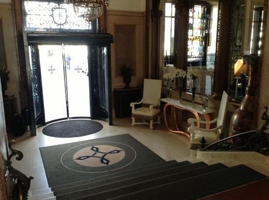 Hotel Infante Sagres : l'entrée