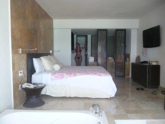 Sunset Royal Beach Resort: habitación