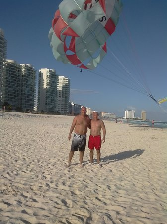 Sunset Royal Beach Resort: playa excelente experiencia