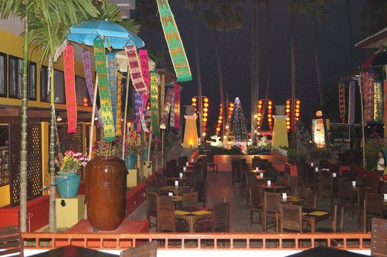 Woraburi Resort Spa Phuket: salle extérieure repas