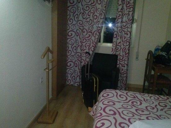 Hotel Castillo : Detalle para colgar las chaquetas