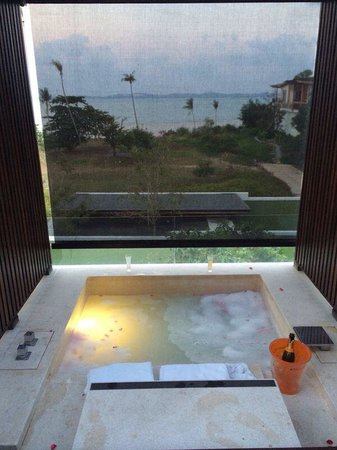 W Koh Samui: spa bathtub