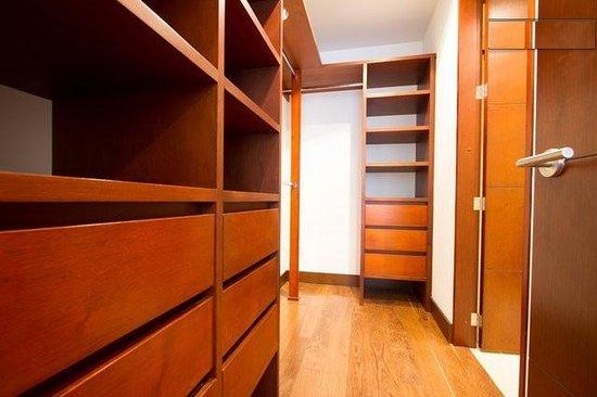Chico 100 Apartamentos: Closet