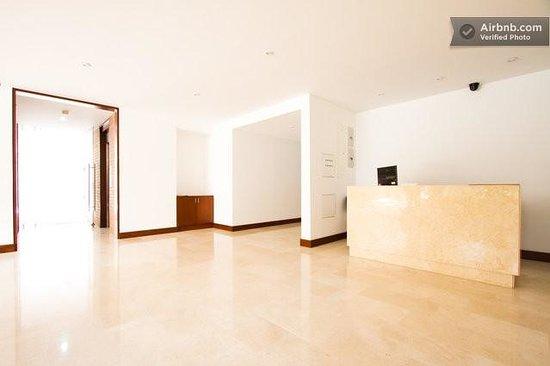 Chico 100 Apartamentos: Lobby