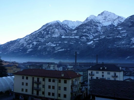 View from the room picture of hotel turin aosta for Hotels turin