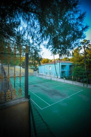 Balneario de Leana: Pista de Tenis