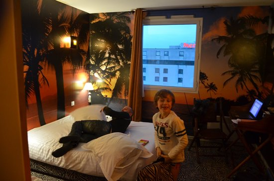 Hotel Jules Verne Futuroscope: la chambre